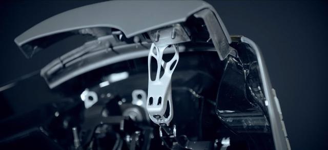 Metal-3D-printed-parts-BMW-i8-Roadster-04